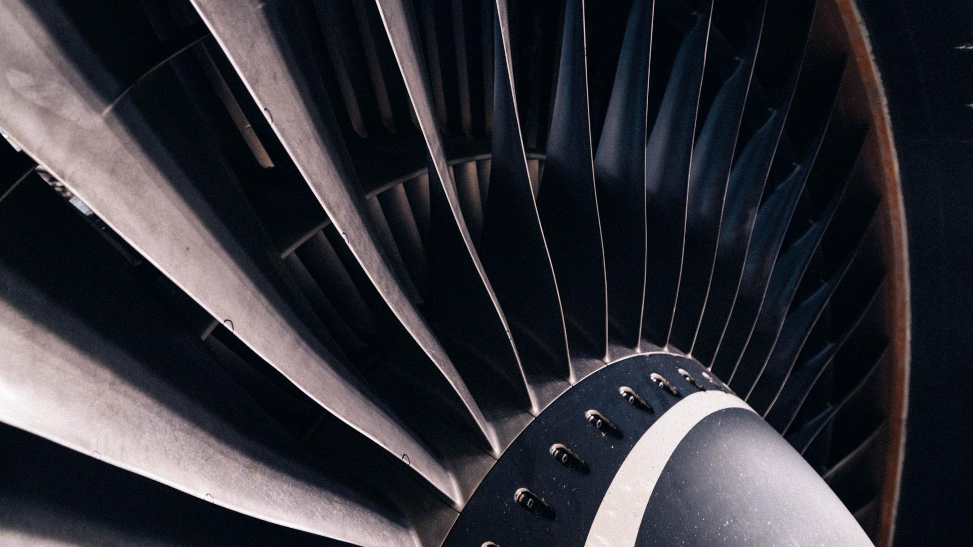IAG Engine Center Europe Original
